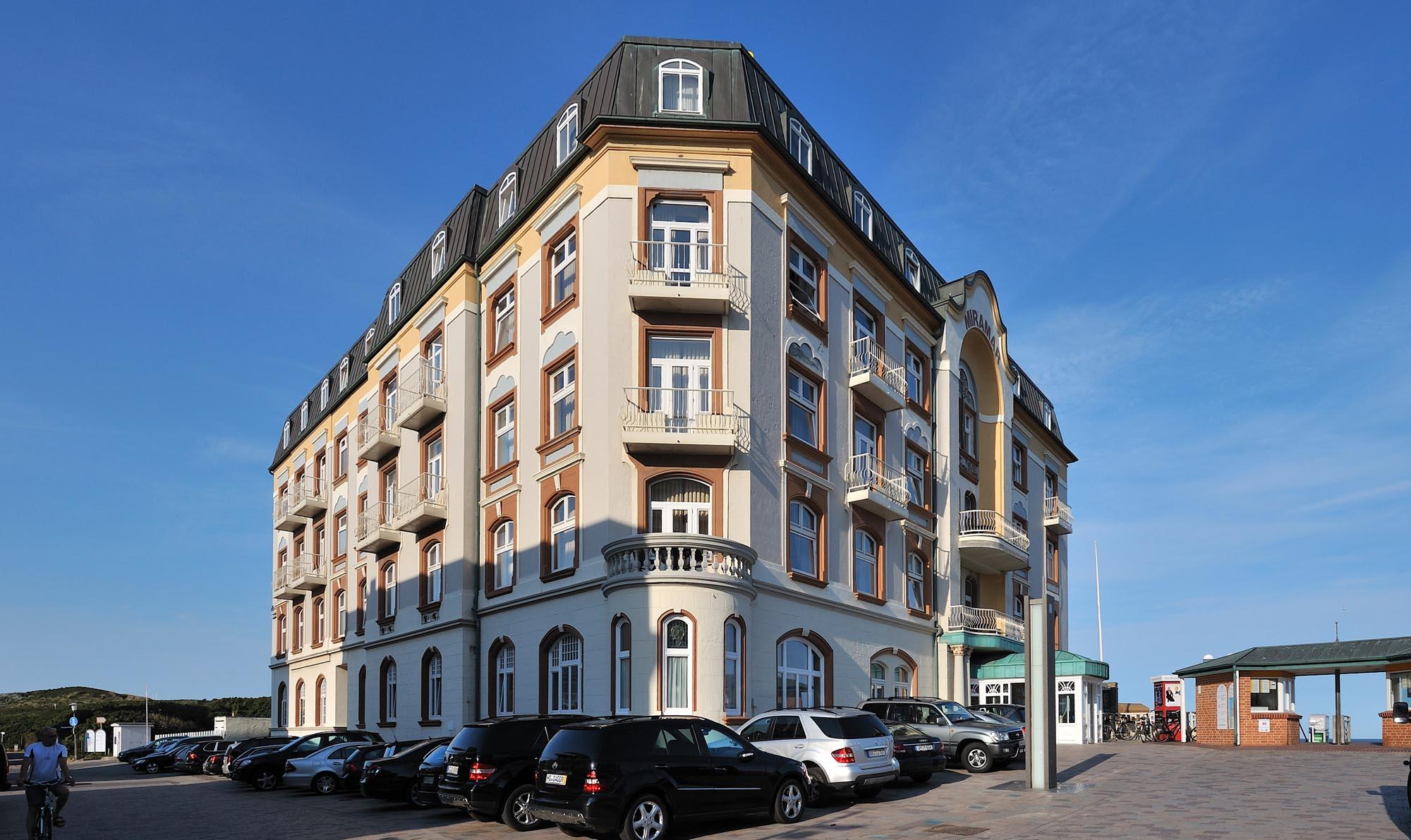 h ft bau sylt westerland eingang hotel miramar. Black Bedroom Furniture Sets. Home Design Ideas
